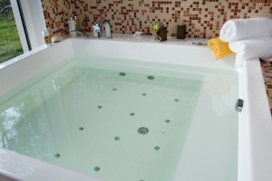 bathtub-tankless-water-heater